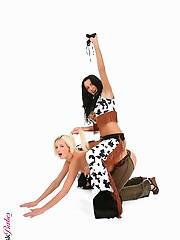 Tiffany & Mia Hilton Duo hot and sexy nude wallpaper virtual stripper hd vr babes