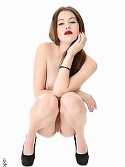 Heidi Romanova Deep Desirepussy close up virtual stripper hd vr babes