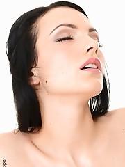 Sapphira A Outright Sexy the best virtual girlfriend virtual stripper hd vr babes